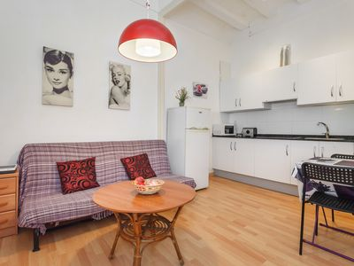 Photo for Cozy apartment in the center of Barcelona 10 minute walk to rambla Catalonia