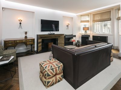 Photo for Stylish Mayfair Home by Bond Street