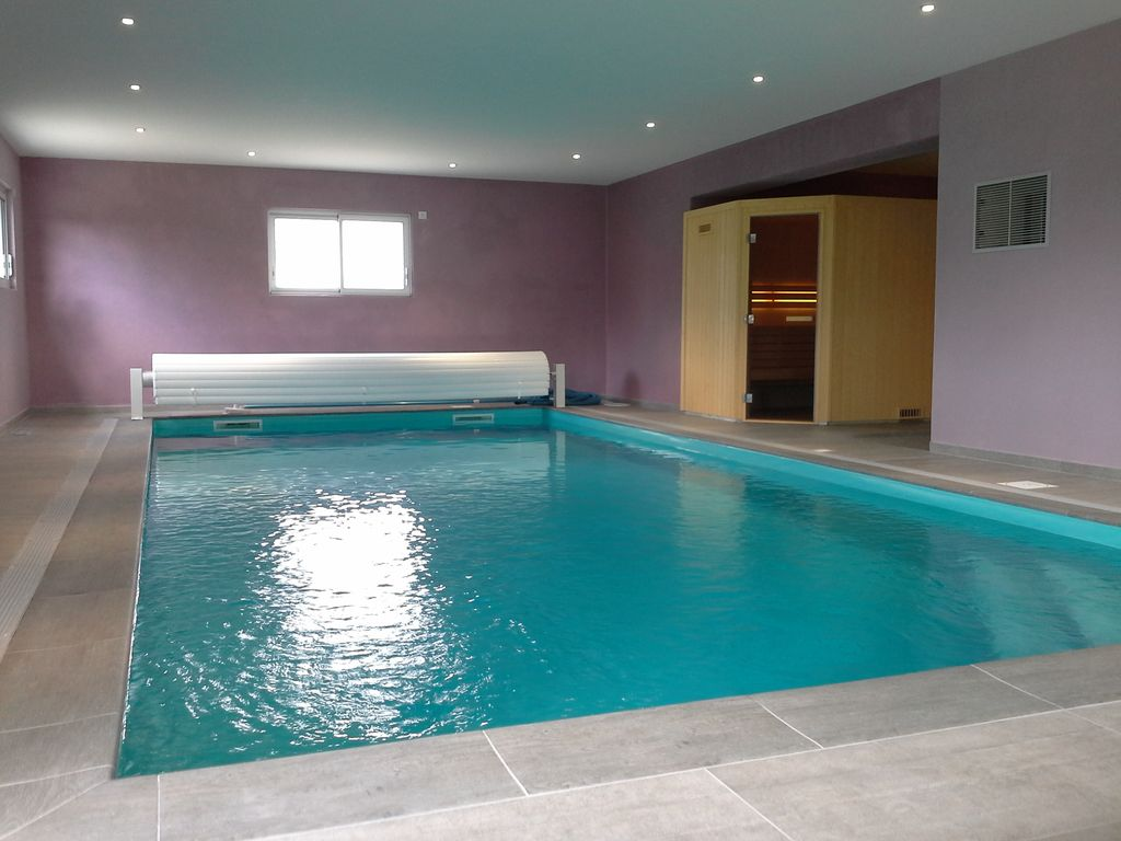 Villa while color denneville beach with heated 844587 for Alarme piscine home beach