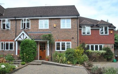 4 Chartwell Mews