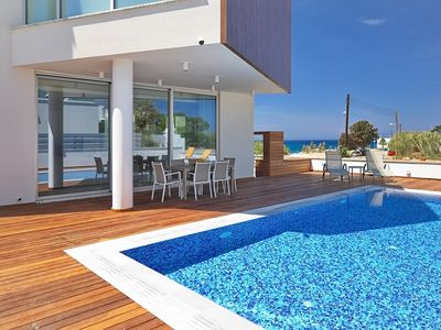 Photo for Amazing 3 Bedroom Luxury Villa with AC, Private Pool, Roof Terrace with Jacuzzi, 150 m to the Beach!