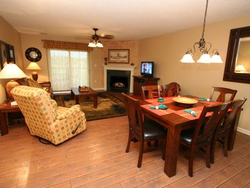 Whispering Pines, Pigeon Forge, TN, USA