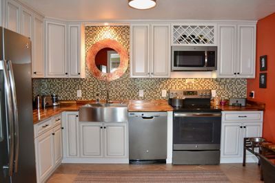Completely updated, fully equipped kitchen.