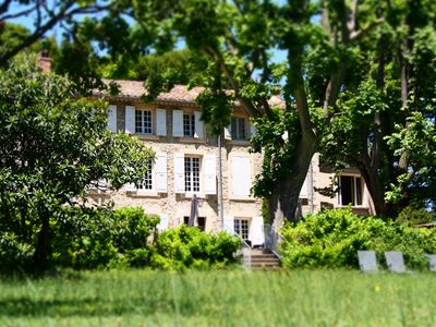 Photo for An exceptional place in the heart of Provence des Papes