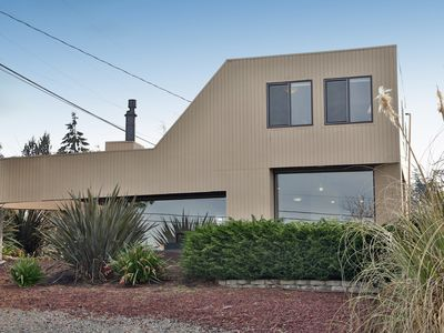 Photo for Beautiful hidden Coupeville gem. 2 bed, 1.5 bath. (251)