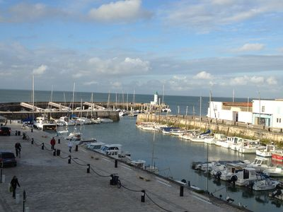 Photo for Superb apartment, sea view on the port of La Flotte