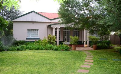 Photo for beautiful, victorian house located 1.6km from the city centre.We are situated