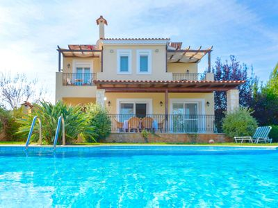 Photo for Wonderful private villa for 8 people with A/C, private pool, WIFI, TV, balcony and parking