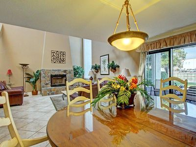 Photo for Shoreline Towers Townhome#4-3☀3BR LakeFront☀Aug 18 to 20 $652 total! FunPass!