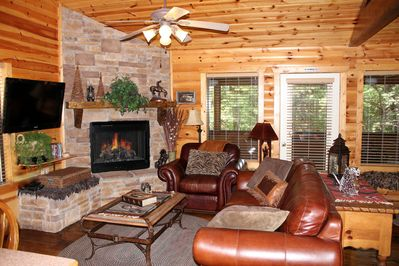 Fantastic Aug Special 100 00 Log Cabin Fireplace Jacuzzi Wifi Cable Porch Pools Workout Branson Download Free Architecture Designs Meptaeticmadebymaigaardcom