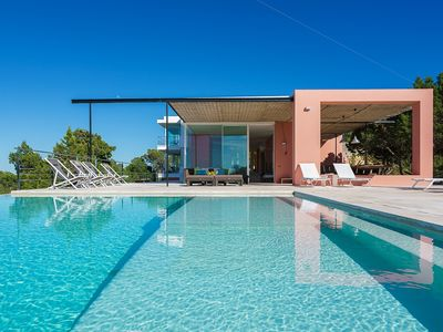 Photo for Stunning 6 bedroom villa with garden and infinity pool. Seaviews