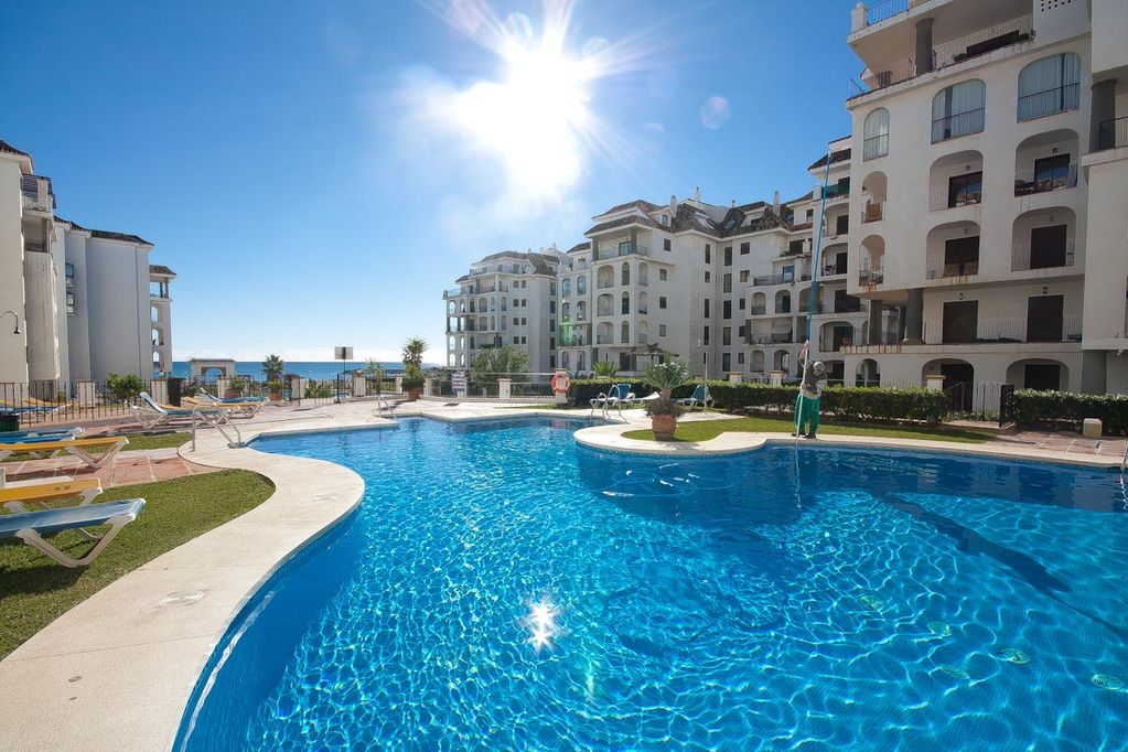 Property For Rent Directly On The Beach Let Duquesa Harbour Seduce You