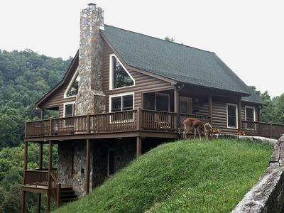Photo for Luxury Cabin with a easy access near Wineries/ Shopping/Ski Slopes