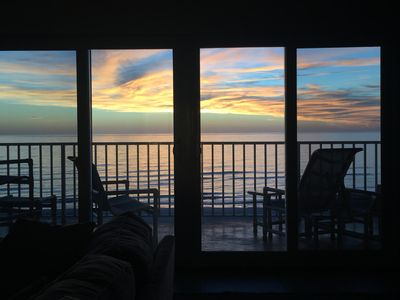Photo for Relaxing Top Floor Condo w/ Amazing Sunsets