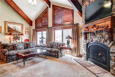 Spacious living room indulgent fireplace - Park City Lodging-Little Belle 15