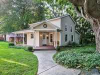 Beautiful hidden gem. Charming yet modern 100 yr old home. Great for families looking to relax.