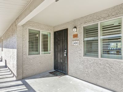 Photo for Gorgeous remodeled Old Town Condo blocks from Giants Fields & Fashion Square