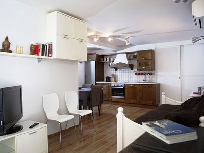 Photo for 3 bedroom apartment in the city center