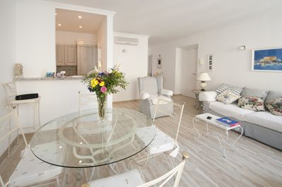 Superb Two Bedroom Apartment Nice Centre Two Minutes From The Beach Jean Medecin