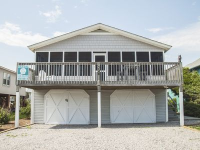 Photo for Wireless internet access, screened porch and close to beach access