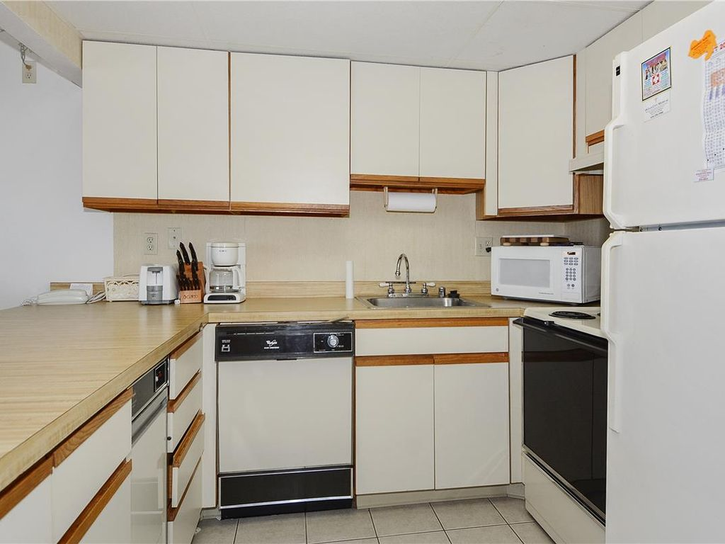 Nicely decorated 2 bedroom 2 bath ocean block unit north - Nicely decorated bathrooms ...