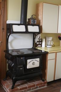 Country Charmer Electric Stove/Oven