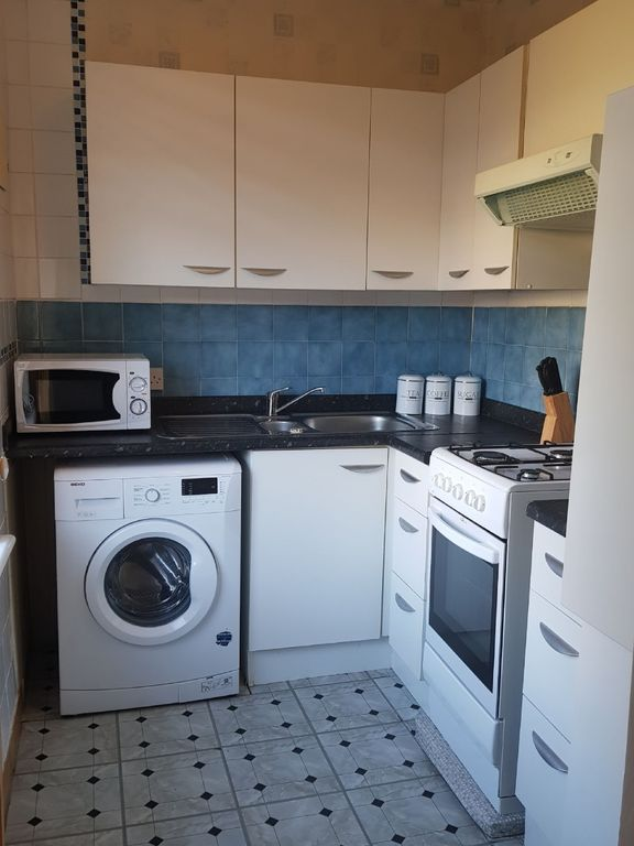 Broomfield crescent apartment broomfield crescent apartment free carrick knowe apartment rental well equipped kitchen solutioingenieria Choice Image
