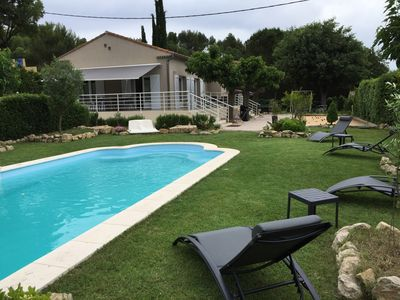 Photo for Beautiful villa with private pool near Aix en Provence