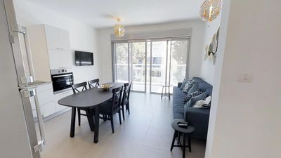 Photo for DIZZY - brand new 2 bedrooms in perfect location