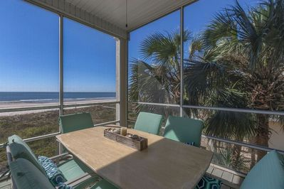 Gulf Front Dining on Screened Deck