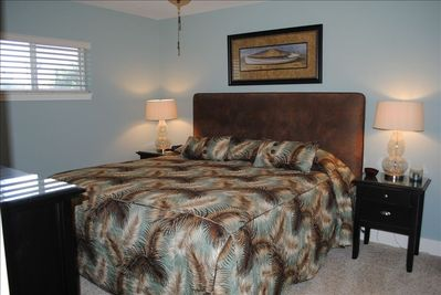 Spacious Master Suite with King Bed, granite bath, flat screen TV, ceiling fans