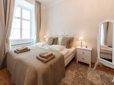 Photo for ElegantVienna Musette -  Cozy 2-room apartment near Cathedral, 1st district