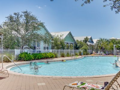 Photo for Charming cottage w/ shared pool & hot tub, private washer/dryer, close to beach!