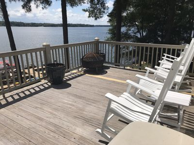 Photo for Enjoy a private lakehouse at Lake Oconee during the Masters