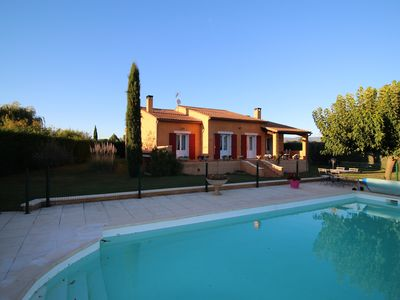 Photo for Holiday villa near Apt, Luberon, private swimming pool and pool house