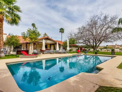 Photo for PARADISE VALLEY 7BR/4BA ESTATE- SLEEPS 20!