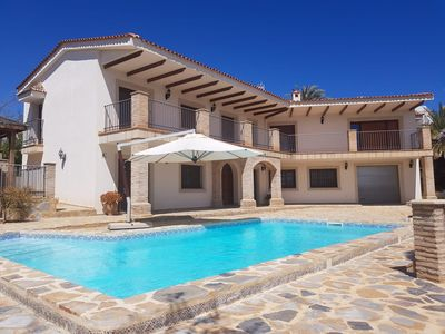 Photo for Beautiful private and luxury villa  6-bedroom and private Pool