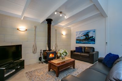 Crew's Cottage, coonara fireplace, cosy lounge