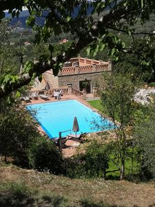 Photo for Casupoli, Villa with views and pool in the Tuscan countryside