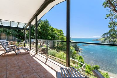 Beachfront Enclosure Bay - Deck and View