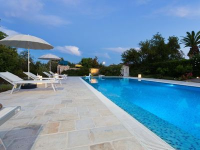 Photo for One bedroom Villa, sleeps 2 with Pool and Air Con