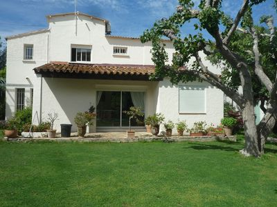 Photo for Marseille Charming Villa 300 m from the sea with swimming pool