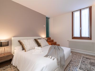Photo for Best Rialto Palace apartment 2 - Apartment for 12 people in Venecia