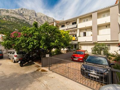 Photo for Apartment in Baška Voda (Makarska), capacity 6+0