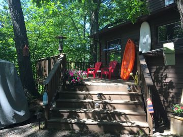 Great Reviews. 5* rated. Block to Lake MI. Golf Cart. Private/Secluded.