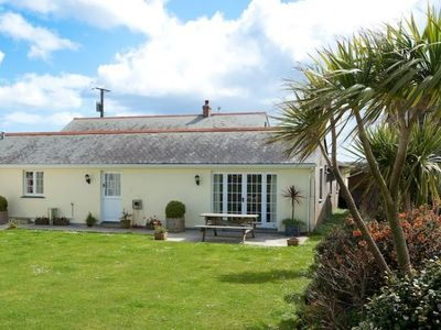 Photo for A wonderful holiday home just outside Veryan on the Roseland Peninsula