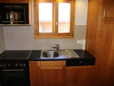 Photo for 3* - 5-bedroom-chalet for 10 people located at 2.5km from the lift in a quiet and sunny environment.