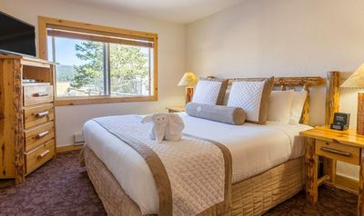 Holidays in Squaw Valley - Red Wolf Lodge
