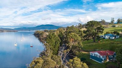Photo for Linda Cottage Port Huon