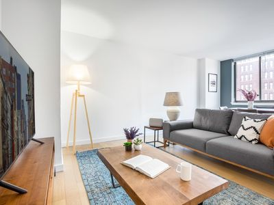 Photo for Immaculate Chelsea 1BR w/ Water views + Doorman by Blueground